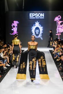 Desainer Jenius Zang Toi dan Digital Textile Printing Inovatif Epson dalam Malaysia Fashion Week 2016