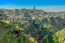 Mittelalter trifft Mittelmeer - Matera: Kulturreise und Badeurlaub miteinander kombinieren