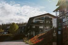 Sähköauton lataaminen onnistuu nyt kaikissa Lapland Hotelsin kohteissa