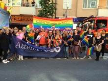 Attendo deltar i Stockholm Pride Parade för tredje året i rad