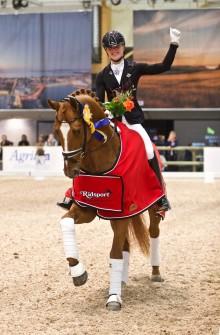 Vacker ritt gav Ida-Linn Lundholm och Dragon Welt segern