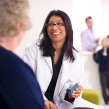 Fortsatt stöd till Läkemedelsakademin ger viktig utbildning till nyanlända farmaceuter