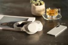 Cele mai bune căști tocmai au devenit și mai bune. Sony lansează noul model de căști wireless WH-1000XM4, cu tehnologia de top de anulare a zgomotului