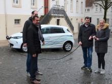 Stadt Steinheim und Westfalen Weser Energie-Gruppe testen verbessertes  Elektroauto
