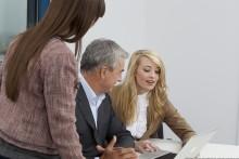 Stress im Beruf durch schlechtes Verstehen? – FGH Experten raten zu vorsorglichen Hörtests einmal im Jahr