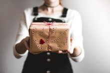 Nå begynner julehandelen – her er gavene vi får til jul!