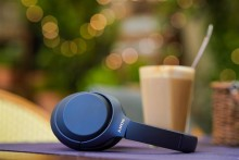 Sony lance le casque sans fil ultime à réduction de bruit WH-1000XM4 en Midnight Blue