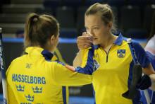 Curling-EM: Segersviten fortsätter vid curling-EM i Glasgow