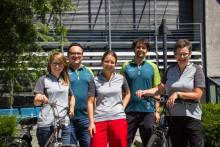 Mit dem Rad zur Arbeit  - Mitarbeiterinnen und Mitarbeiter der KlimaschutzAgentur treten kräftig in die Pedale