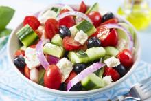 Gresk salat med norske råvarer – det beste fra to verdener