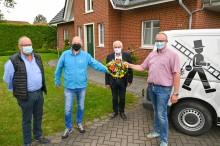 Erster Haushalt im geförderten Ausbaugebiet Neuenkirchen surft im Glasfasernetz