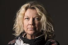 Elisabeth Ohlson Wallin invigningstalar och ställer ut under Borås första pride
