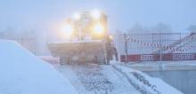 Kraftigt snöfall kräver kreativa lösningar i bygget av Thoren Arena