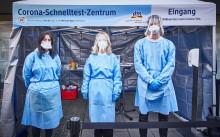 Ministerpräsident Tobias Hans eröffnet dm Corona-Schnelltest-Zentrum in Ottweiler