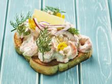Sjømatretter som gir deg feriefølelsen - Toast Skagen fra Sverige