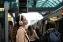 Το καλύτερο μόλις έγινε πιο δυνατό- Η Sony ανακοινώνει τα κορυφαία, ασύρματα ακουστικά εξουδετέρωσης θορύβου WH-1000XM4*