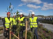 Landbruks- og matminister Olaug Bollestad besøkte taket av Økern Portal