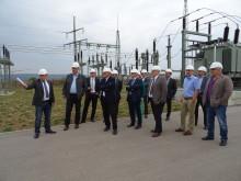 Kommunalpolitiker besuchen das Umspannwerk Hofheim des Bayernwerks