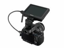Sony presenta il nuovo monitor LCD per le reflex digitali.  Il CLM-V55 visualizza i filmati in alta risoluzione e in un formato più ampio