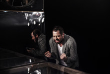 """Monologen """"Jag, mig själv och min persiska pappa"""" får nypremiär på Intiman"""