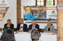 Pressekonferenz zur Ernennung der Montanregion Erzgebirge/Krušnohoří zum UNESCO-Welterbe – von Emotionen zum Zeitpunkt der Entscheidung und Zukunftsvisionen