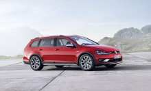 New Volkswagen Golf Alltrack model to make debut at Paris Show