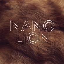 """NANO DEBUTERAR MED SINGELN """"LION"""""""