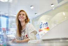 Beliebtester Arbeitgeber Deutschlands - dm sichert sich Platz 1 im StepStone Ranking