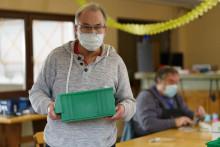 Klienten der Hephata-Werkstätten arbeiten von zu Hause aus