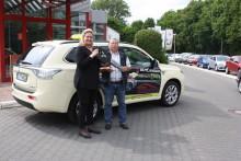 Halbjahres-Bilanz für Mitsubishi Plug-in Hybrid Outlander Taxi