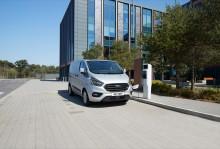 IAA Nutzfahrzeuge: Ford zeigt die Serienversion des Transit Custom mit Plug-In-Hybrid-Technologie