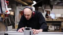Snedkervirksomhed automatiserer 15.000 fakturahåndteringer