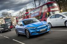 """Ford představuje v Evropě nový Mustang Mach-E a spouští novou roadshow """"Go Electric"""" s cílem přiblížit veřejnosti přednosti elektrifikovaných automobilů"""