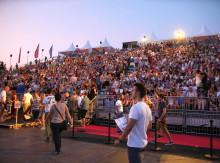 alltours bleibt Hauptsponsor und Namensgeber des Open Air Kinos am Rhein - Sponsorenvertrag für 2020 verlängert
