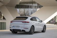 Längre räckvidd för Cayenne E-Hybrid-modellerna från Porsche