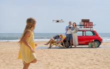 DJI stellt die neue DJI Mini 2 vor. Eine Ultraleichte, einfach zu fliegende Drohne, die vollgepackt ist mit tollen Funktionen.