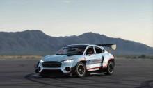 Elektrický prototyp Mustang Mach-E 1400 od Ford Performance a RTR otevírá nový rozměr automobilového závodění a driftingu