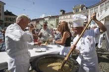 Kulinarische Volksfeste im herbstlichen Tessin