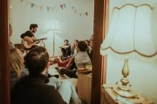 MUSIC CREATES WATER – Das Wohnzimmer wird zur Bühne für sauberes Trinkwasser
