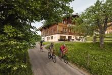 """""""Swiss Bike Hotels"""" und weitere neue Hotelbroschüren aus der Schweiz"""