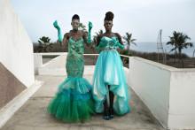 Färgsprakande utställning om afrikansk modeindustri