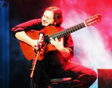 Den brasilianska musikgeniet YAMANDU COSTA klar till  Uppsala Internationella Gitarrfestival