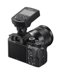 A Sony lança o novo sistema de iluminação controlado por rádio para os fotógrafos Sony α