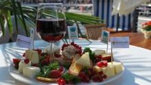 Käse trifft Wein am Kieler Bootshafen