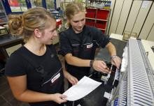 Bayernwerk ehrt Auszubildende für deren Abschlüsse – Staatspreise für herausragende Abschlüsse an Bayernwerk-Azubis vergeben