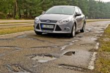 Ford zkouší novou technologii, která by mohla v reálném čase upozorňovat řidiče na nebezpečné výmoly