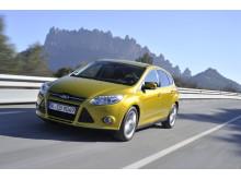 Nye Ford Focus var den første bilen som ble lansert med den prisbelønte nye 1.0-liters EcoBoost-motoren til Ford