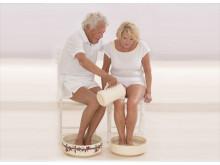 Ältere Menschen: gepflegte Füße für mehr Wohlbefinden