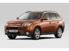 Ny formstark crossover - nya Mitsubishi Outlander exteriör frilagd
