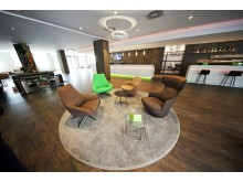 Die großräumige Lobby des Travel24